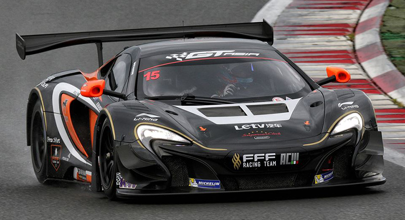 Nathan-Antunes-Shanghai-International-Circuit-GT3-2015-McLaren