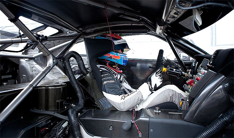 Nissan-GT-R-NISMO-GT3-Nathan-Antunes-Silverstone-2